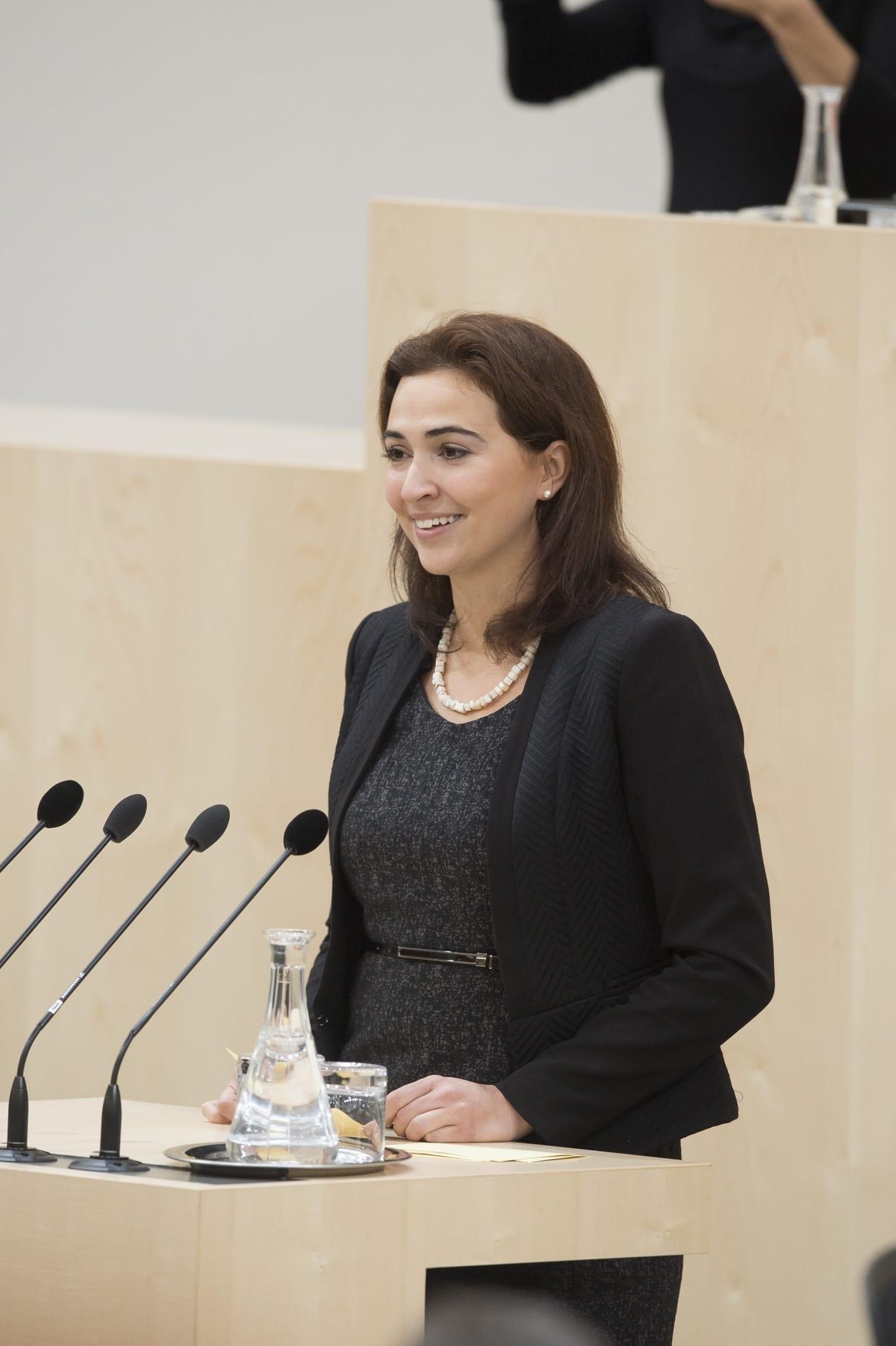 Alma Zadić | Jantzen Ministerium copyright